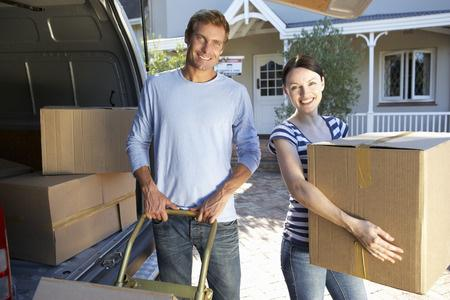 Moving House? A Handy Guide to Stress-Free Moving